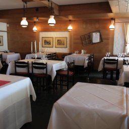 Schuetzen_Hotel_Restaurant-Lauterbrunnen-Restaurantbreakfast_room-185235.jpg