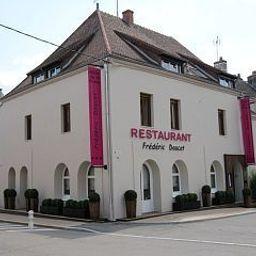 de_la_Poste_Chateaux_et_Hotels_Collection-Charolles-Exterior_view-3-200613.jpg