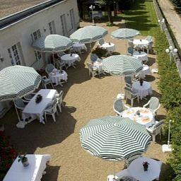 Chateau_de_Beaulieu_Relais_du_Silence-Joue-les-Tours-Terrace-202220.jpg