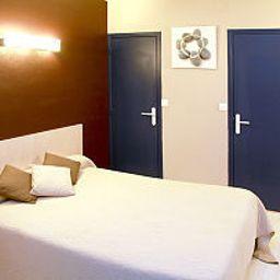 Saint-James-Biarritz-Room-2-203311.jpg