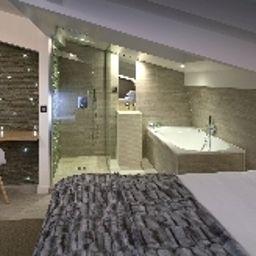 Georgette-Paris-Superior_room-5-204098.jpg