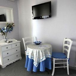 Le_Moderne-Menton-Room-7-204602.jpg