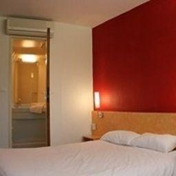 Ptit_Dej-HOTEL_Tulle-Tulle-Standardzimmer-1-204883.jpg