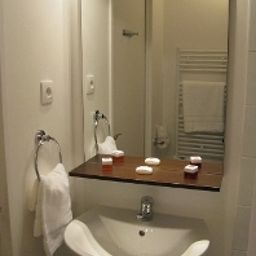 Sejours_Affaires_Paris_Malakoff_Apparthotel-Malakoff-Bathroom-205205.jpg