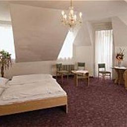 EA_Esplanade-Carlsbad-Room-3-215033.jpg
