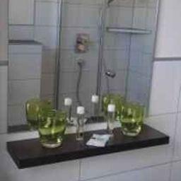 Gasthof_Linden_Wildkraeuterhotel-Windelsbach-Bathroom-215104.jpg