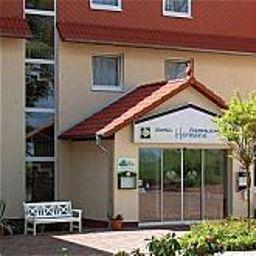 Hermann_Land-gut-Hotel-Bentwisch-Exterior_view-1-215705.jpg