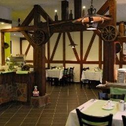 Geiger-Stuttgart-Breakfast_room-216105.jpg