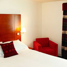 Mercure_Cardiff_Centre_Hotel-Cardiff-Room-3-217368.jpg