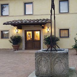 Фасад Relais dell`Olmo Perugia (Umbrien)