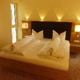 Stemp_Landhotel-Buechlberg-Suite-2-217491.jpg