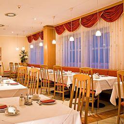 Feichtinger-Graz-Breakfast_room-2-217688.jpg