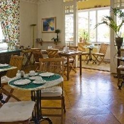 Senta_HotelPension-Berlin-Breakfast_room-218087.jpg
