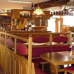 Restaurant/salle de petit-déjeuner Zum Schwanen
