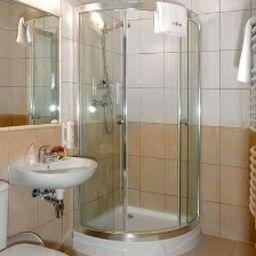 Leopolis-Krakow-Bathroom-2-219823.jpg