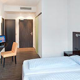 Jaegers_Munich_Hostel_Hotel-Munich-Room-1-219960.jpg