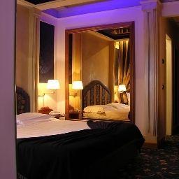 Dream_Motel_-_Hotel-Appiano_Gentile-Room-6-220042.jpg