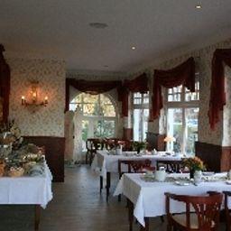 Strandperle-Kuehlungsborn-Breakfast_room-220311.jpg