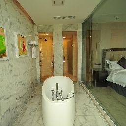 New_Century_Manju_Hotel_Luoshan_Former_Rhea_Lakeview-Shanghai-Bathroom-221089.jpg