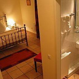 Akazienhof_Hotel_Brauhaus-Cologne-Room-1-221216.jpg