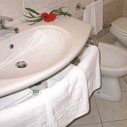 Bagno in camera Villaggio Tonicello