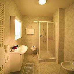 Post_Gries_Restaurant-Bolzano-Bathroom-221932.jpg