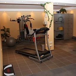 Tannenblick-Bad_Vilbel-Wellness_and_fitness_area-222110.jpg