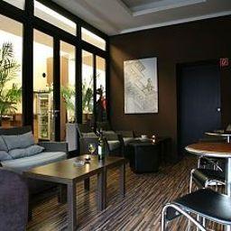 Bar de l'hôtel Arktur City