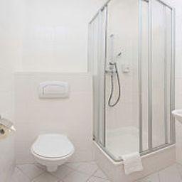 Atrium_Charlottenburg-Berlin-Bathroom-1-250089.jpg