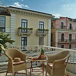 Del_Corso-Sorrento-Terrace-1-250749.jpg
