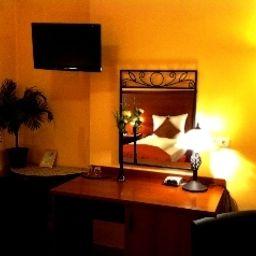 City_Hotel-West-Frankfurt_am_Main-Room-9-250770.jpg