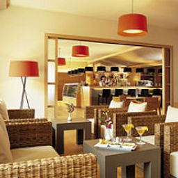 Caesius_Thermae-Bardolino-Hotel_bar-251131.jpg