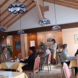 Am_Wald-Ottobrunn-Breakfast_room-251348.jpg