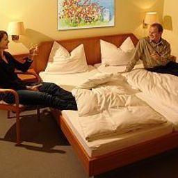 Am_Wald-Ottobrunn-Room-251348.jpg