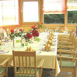 Haflingerhof_Landhotel-Rosshaupten-Restaurantbreakfast_room-1-251457.jpg