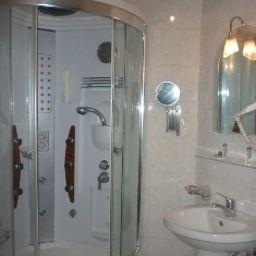 EmexOtel_Istanbul-Istanbul-Bathroom-1-251535.jpg