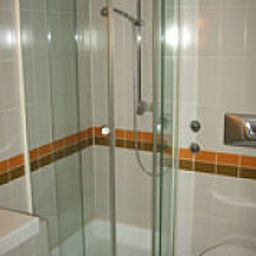 Zum_Gockl_Garni-Unterfoehring-Bathroom-1-252174.jpg