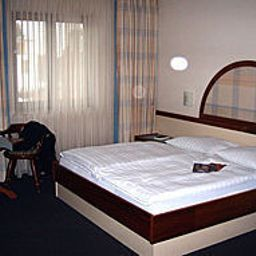 Zum_Gockl_Garni-Unterfoehring-Room-252174.jpg