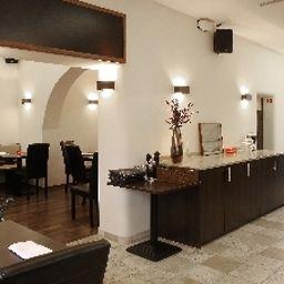 Haus_Fabry_Hotel_Restaurant-Hilden-Restaurantbreakfast_room-252465.jpg