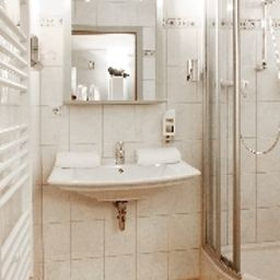 Haus_Fabry_Hotel_Restaurant-Hilden-Double_room_superior-4-252465.jpg