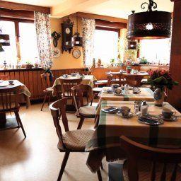 Zum_Adler_Gasthof-Neuberg-Breakfast_room-252542.jpg