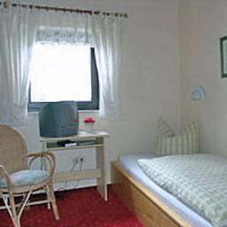 Zum_Adler_Gasthof-Neuberg-Room-4-252542.jpg