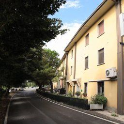 La_Passeggiata-Desenzano_del_Garda-Exterior_view-1-252547.jpg