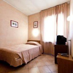 Miramonti-Turin-Room-7-253636.jpg