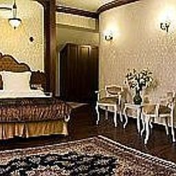 Ottoman_Hotel_Imperial-Istanbul-Junior_suite-2-254277.jpg