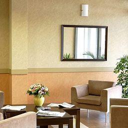 Aparthotel_Adagio_Access_Paris_Clamart-Clamart-Hall-254793.jpg
