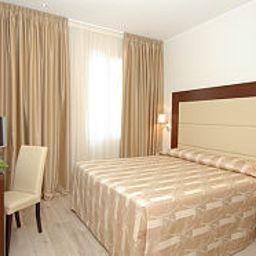Lugano_Torretta-Venice-Room-1-256430.jpg