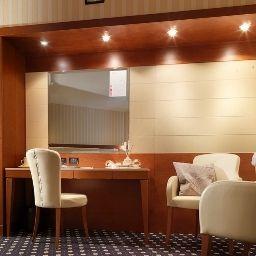 Ariston-Campodarsego-Business_room-1-256848.jpg