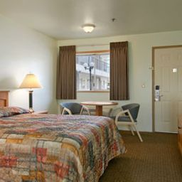 TRAVELODGE_SEATTLE_NORTH-Seattle-Room-3-258697.jpg