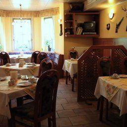 Hotel_Am_Park_Pasewalk-Pasewalk-Restaurantbreakfast_room-260502.jpg